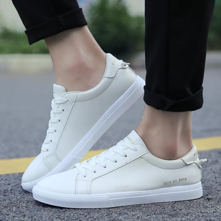 Casual White Lace Up Sneaker For Men