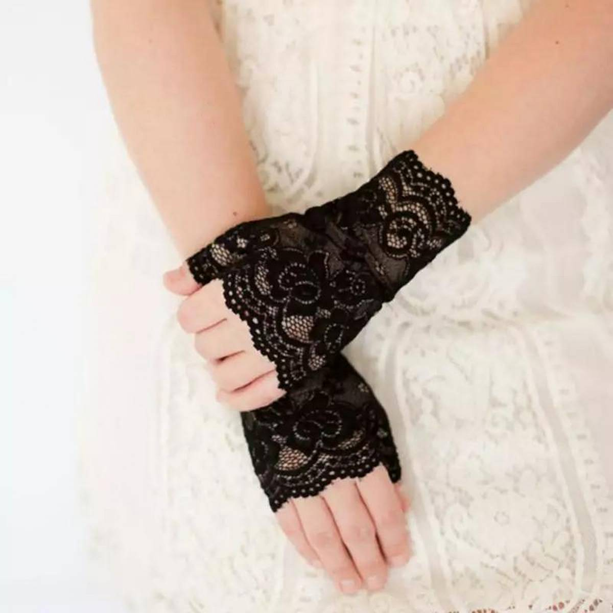 Fashion Ladies Short Black Lace Fingerless Gloves Sexy Breathable Hollow Net Goth Gothic Fancy Dress