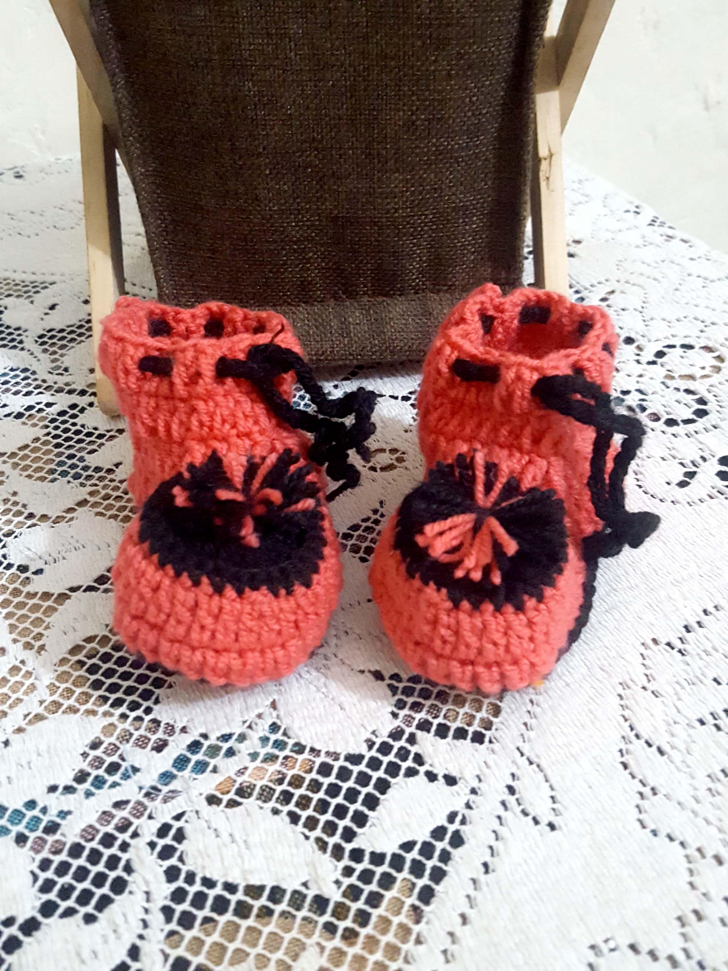 Handmade Knit Crochet Baby Shoes/ Booties, Newborn Socks/ Shoes