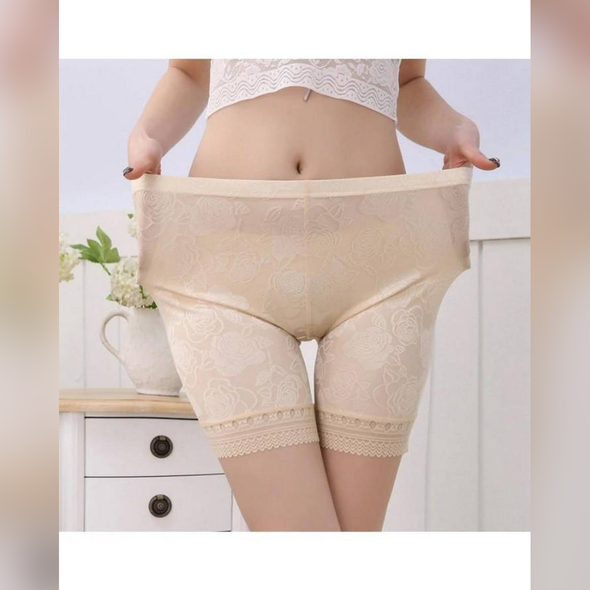 Lace Women Safety Stretchable Shorts