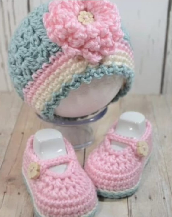 BABY CAP AND SHOES/ BABIES ACCESORIES / BABY WINTER DRESSING / KIDS CAP / KIDS SHOES