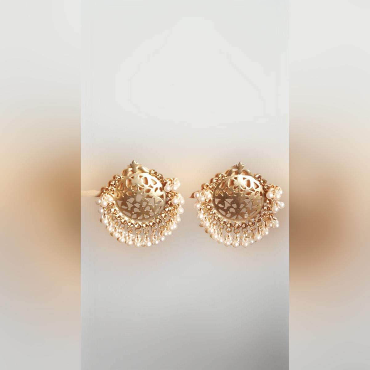 Trendy Pearls Design Women Earring - Fashion Infinity