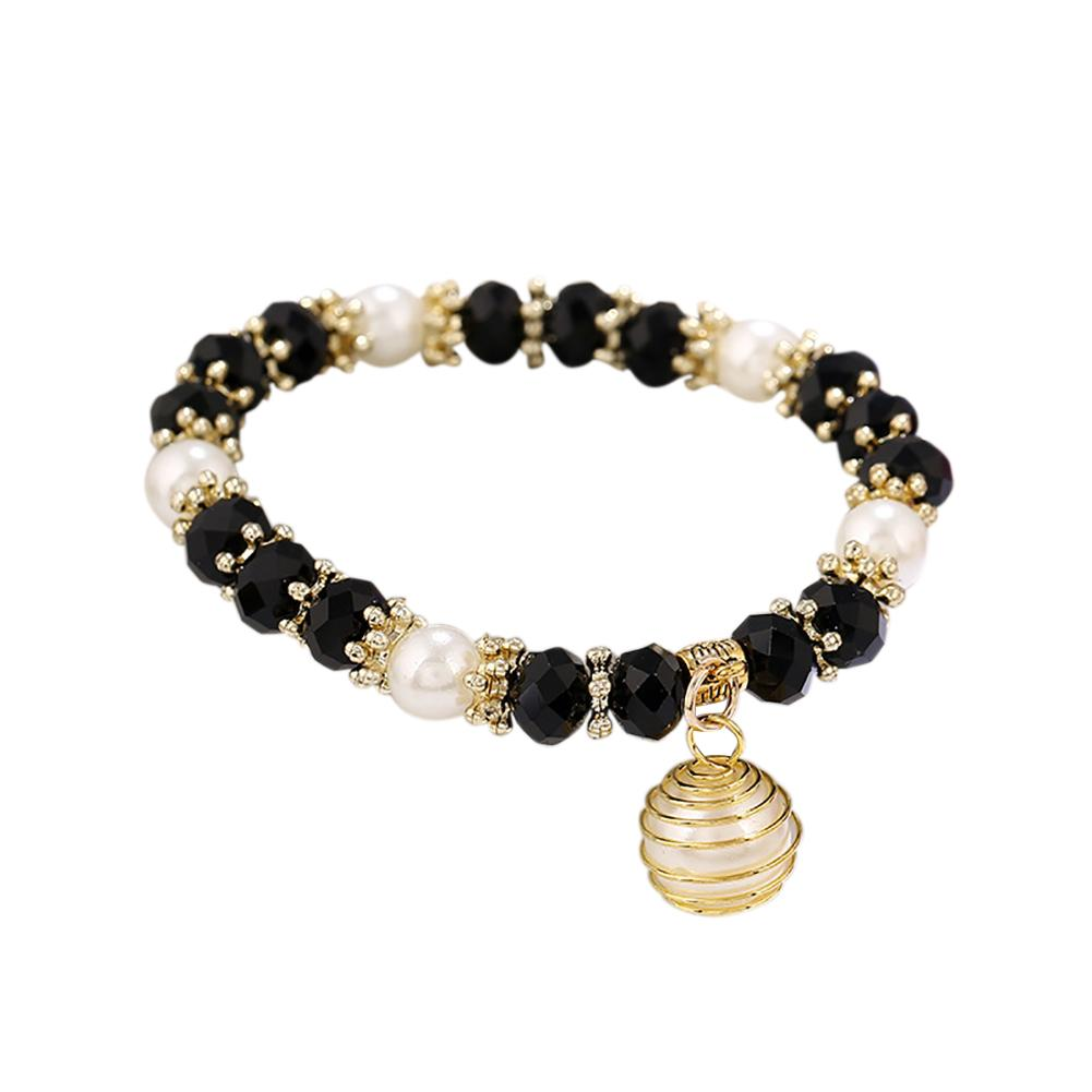 Workmanship In Ladies Pearl Necklace And Matching Bracelet Exquisite