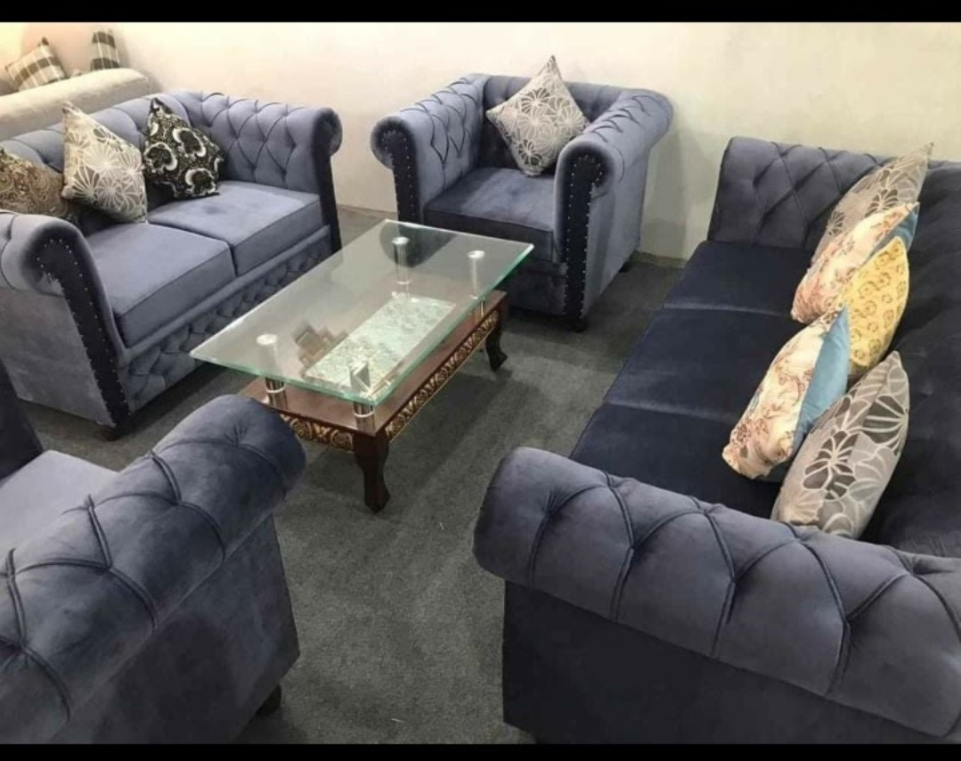 7 Seater Modern Chesterfield Sofa Set  Valvet Furnished  Curved Designed Tufted Arms Tufted Back  Without Table