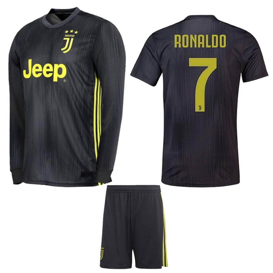 best website 1486e 96a73 Juventus Ronaldo Full Sleeves Kit
