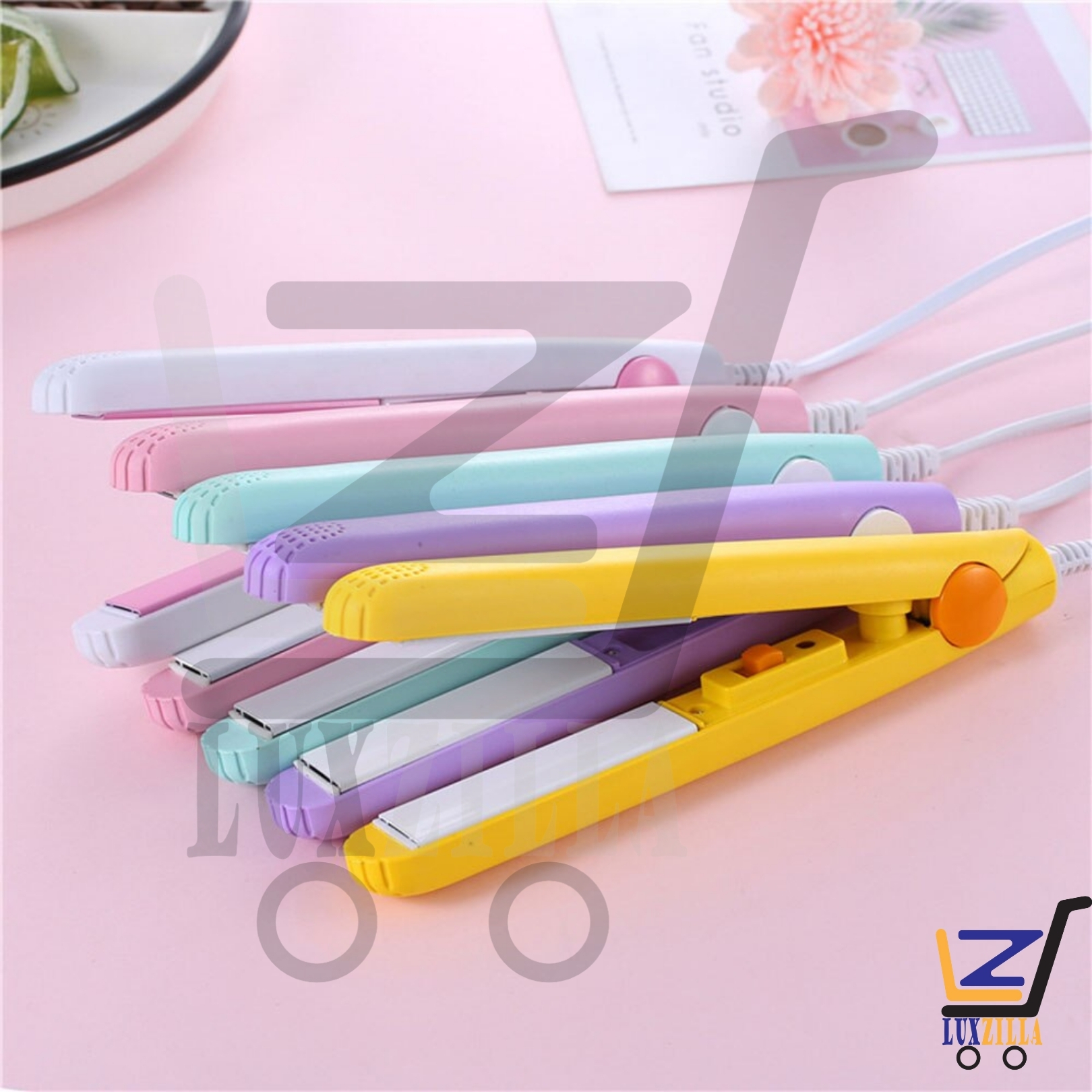 Hair Straightener, Travel Size Portable Hair Straightener, Hair Straightener Curler, Portable Mini Hair Flat Iron, Ceramic Tourmaline Iron Flat Straightening Styling Tools 220V with Elegant Design Easy to Carry during traveling Girls Choice